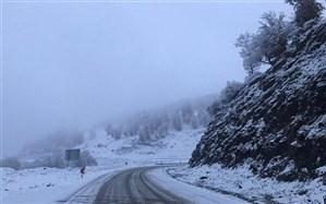 بارش ۶۵ سانتی برف در محور سیاهکل - دیلمان