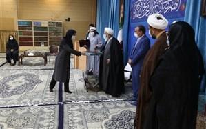 امام جمعه یزد: ایستادگی حضرت زینب(س) مقابل دشمن در شرایط سخت الگوی مردم ایران باشد