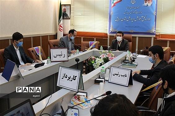 برگزاری اولین نشست هم اندیشی مجلس دانشآموزی در حوزه پسران در استان اردبیل