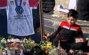 غروب بهروز، طلوع عاشقی در فوتبال