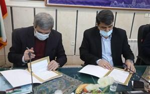 حسینی:  اعتبار خرید ۴۵۰۰ تبلت ویژه دانشآموزان نیازمند یزدی تامین میشود
