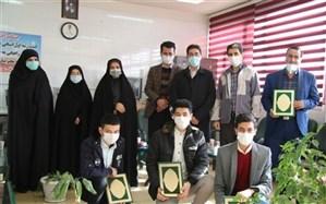 تجلیل ازبرترینهای هنرستان موفقیان آموزش و پرورش اسلامشهر