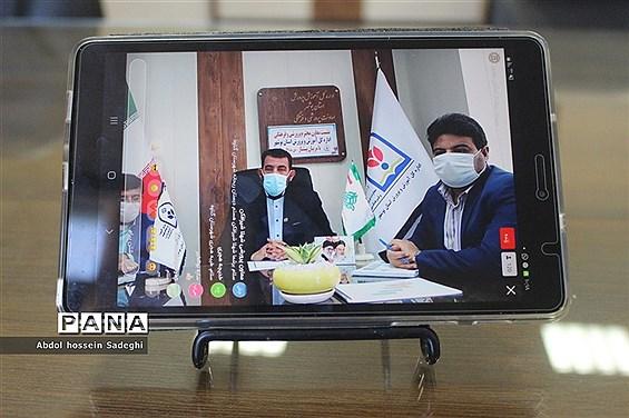 نشست معاون پرورشی و فرهنگی ادارهکل آموزش و پرورش استان بوشهر با مربیان پیشتاز