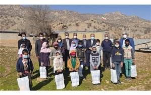مدرسهسازی دانشآموز مدرسه عشایری فارس