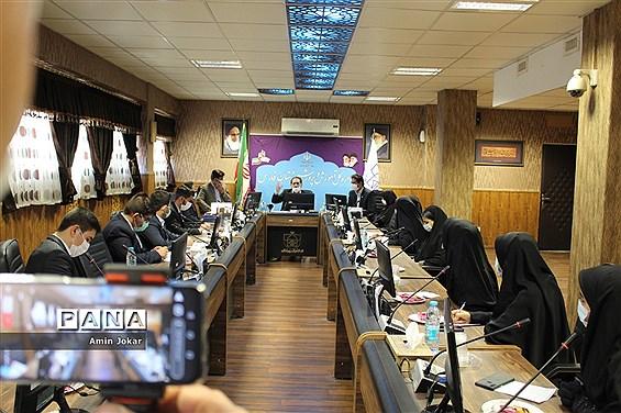 اعطای احکام و اعتبارنامه اعضاء هیات رئیسه مجلس دانشآموزی استان فارس