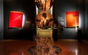 آثار هنری آسیبدیده در انفجار بیروت در نمایشگاههنر مجروح