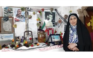 برپایی غرفه سردار شهید سلیمانی در منزل یکی از فرهنگیان نیشابوری