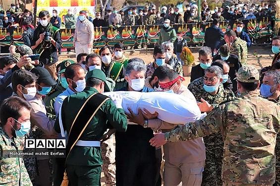 مراسم وداع با پیکر شهید گمنام در آباده