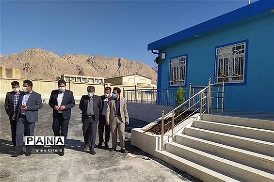 بازدید سرزده  رئیس سازمان دانشآموزی  فارس از استخر آماده افتتاح در داراب