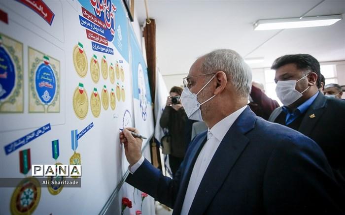 بازدید حاجی میرزایی از سازمان دانشآموزی و خبرگزاری پانا/فیلم