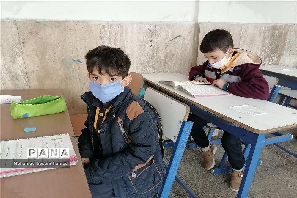 حضور 65 درصدی کلاس اول و دومیها در مدارس یزد