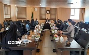 جلسه کمیته فرهنگیان و دانش آموزان ستاد دهه فجر در فلاورجان برگزار شد