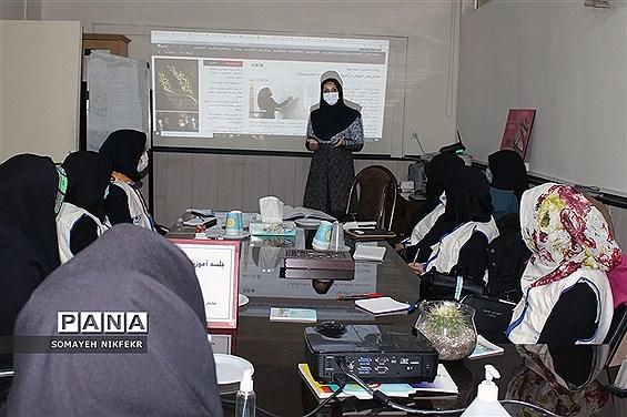 برگزاری کارگاه آموزش خبرنگاری ویژه دانشآموزان دختر شهرستانهای استان تهران