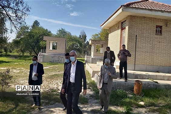 بازدید معاون پرورشی و فرهنگی آموزش و پرورش و فرماندار بوشهر از اردوگاه تربیتی در چاه کوتاه