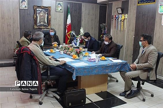 جلسه شورای هماهنگی تشکلهای دانشآموزی استان سمنان