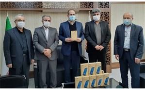 اهدای 500 دستگاه تبلت از سوی مرکز آمار ایران به دانش آموزان استان همدان