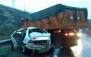 تصادف در اتوبان؛ کامیون واژگون شد