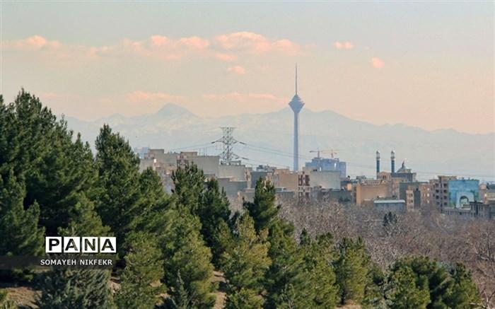 وزش باد باعث شد مردم تهران برای ساعاتی هوای پاک را تجربه کنند