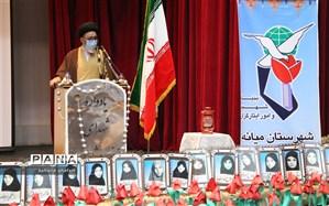 ایمان،  وحدت و پیروی از  ولایت  رموز پیروزی و استمرار انقلاب  اسلامی ایران است