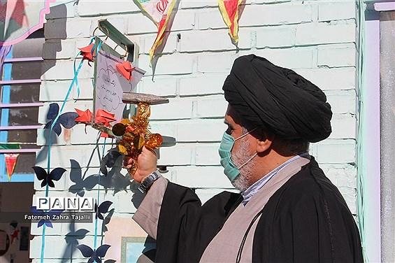 آیین نواختن زنگ انقلاب در مدرسه شهید طنانی خیرآباد