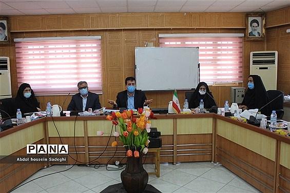 کارگاه کارشناسان ارزیابی عملکرد و پاسخگویی به شکایات شهرستانها و مناطق آموزش و پرورش استان بوشهر