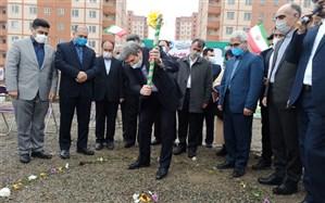 کلنگ زنی مدرسه استثنایی محسن ریحانی در قزوین با حضور سیدجواد حسینی