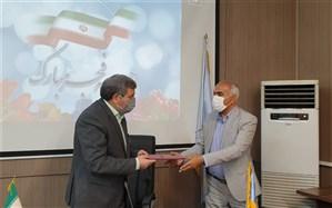 امضای تفاهمنامه تأمین 12 هزار و 500 تبلت برای دانشآموزان نیازمند هرمزگان