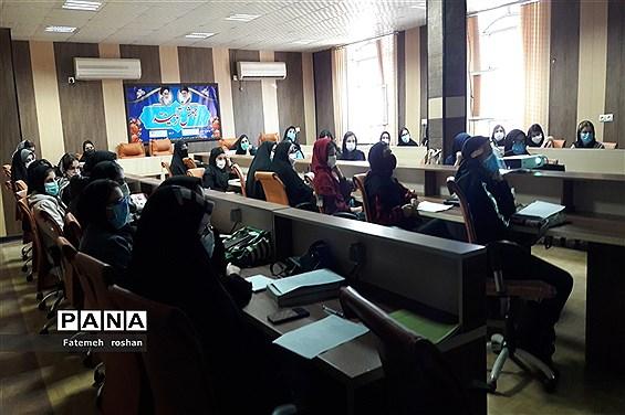 برگزاری اولین همایش آمادگی کنکور ۱۴۰۰ در شهرستان امیدیه
