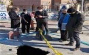 بازدید مدیر و کارشناسان مدیریت بحران اسلامشهر از کاربریهای خطرخیز و زیرساخت های شهری آسیب پذیر