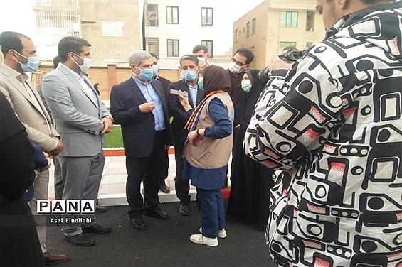 آیین افتتاح زمین چمن مدرسه  شهید محسن فخری زاده در شهریار