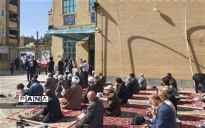 اعضای  علاقمند کانون لقمان کاشمر در نماز جمعه این هفته شهرستان حضور پیدا کردند