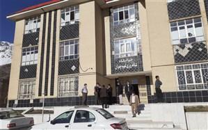 «مدارس» محل اسکان نیروهای امدادی و مردم زلزلهزده سیسخت شد