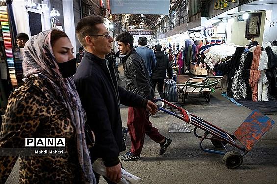 ازدحام جمعیت در بازار تهران