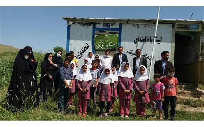 مدیران مدارس با ایثارگری پرچم آموزش را بر افراشتهاند