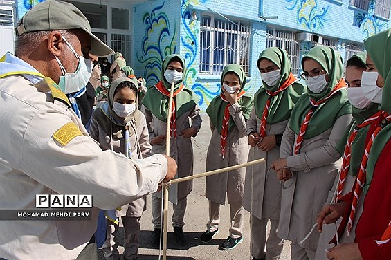 نمایشگاه دستاوردها و چکیده فعالیتهای سازمان دانشآموزی استان کرمانشاه در سال 99