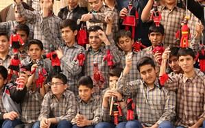 «مبارک»در خانه 3 هزار دانشآموز مهریزی
