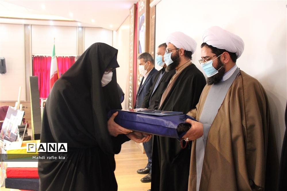 برگزاری مراسم گرامیداشت هفته امور تربیتی آموزش و پرورش ناحیه ۳ تبریز