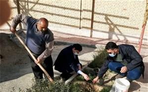 کاشت نهال به مناسبت روز درختکاری در جوادآباد