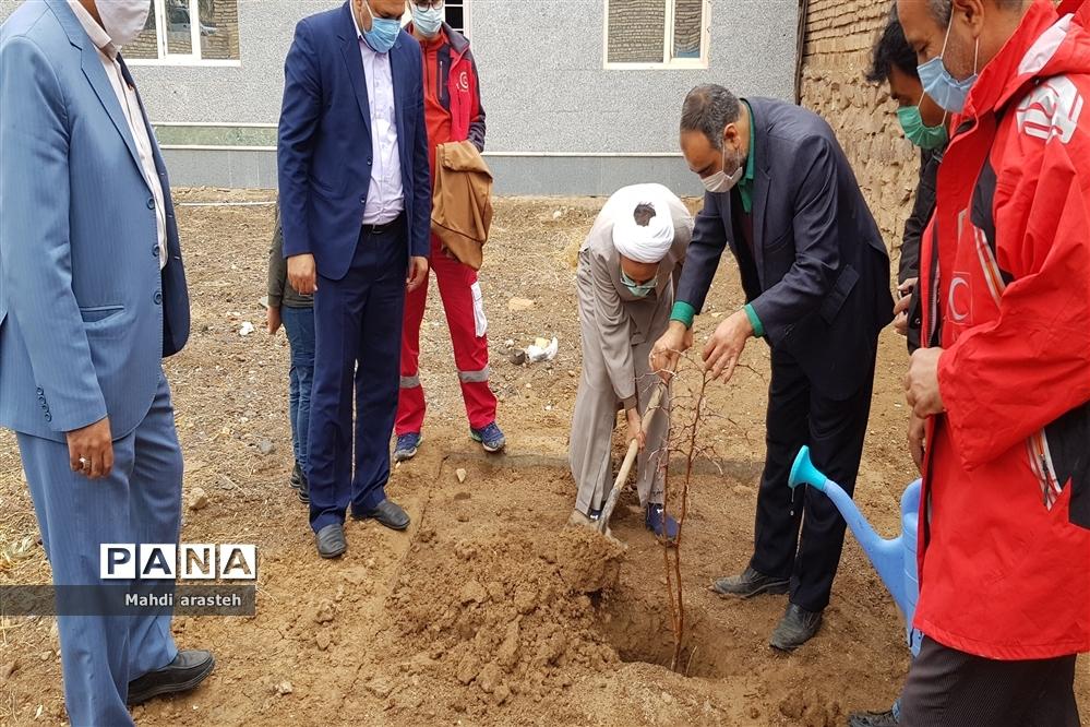 روزدرختکاری در شهرستان خوسف استان خراسان جنوبی