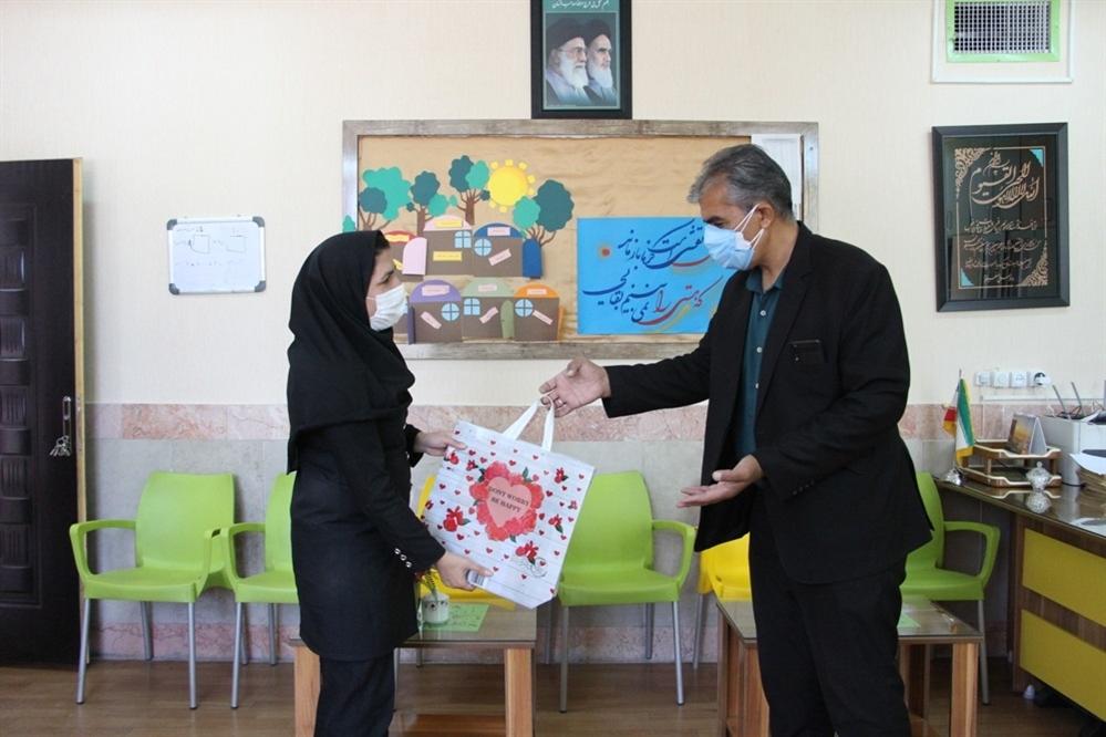 دیدار صمیمی مدیرسازمان دانشآموزی خراسان جنوبی با مدیر و معاونان دبستان علامه حلی