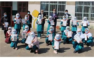 تقدیر از دانش آموزان و مربیان پیشتازان دبستان شهید واحدی اردبیل
