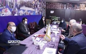 عیدانه به بیش از ۲۵۰ دانش آموز بی بضاعت منطقه ۱۳