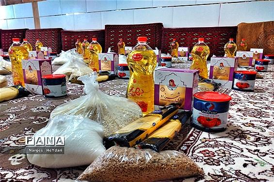 توزیع ۱۲۹ بسته کمک معیشتی به نیازمندان در شهرستان امیدیه