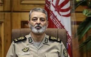 فرمانده کل ارتش: معلمان چراغ راه تعلیموتربیت آیندهسازان ایران سربلند اسلامی هستند