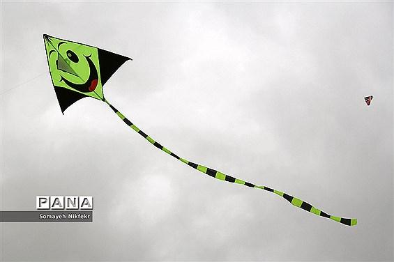 پارک پردیسان تهران میزبان پرواز بادبادکها بر فراز آسمان