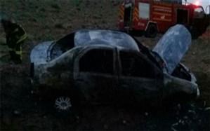 خودروی ال ۹۰ در آتش کنجکاوی  دو نوجوان سوخت