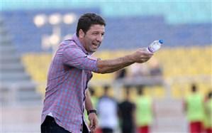 باشگاههای ما قراردادبستن بلد نیستند؛ در فوتبال ایران پول، عشق و علاقه را مشخص میکند