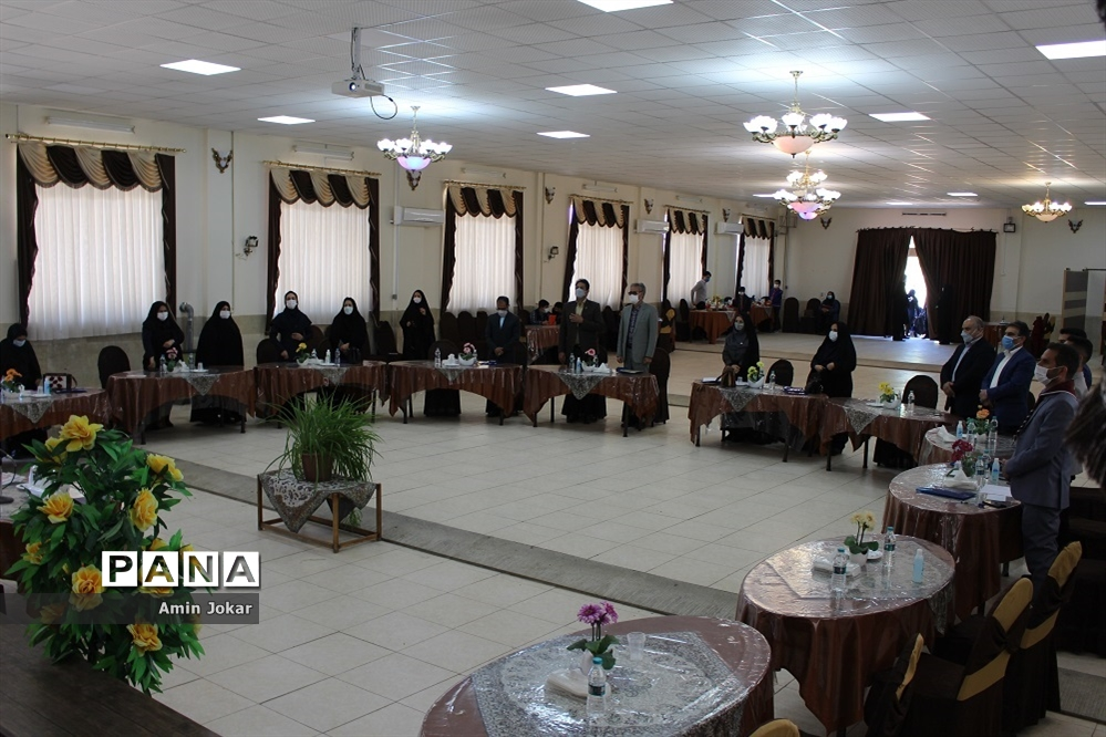 نشست سالانه قطبی مسئولان سازمان دانش آموزی استان فارس در شهرستان آباده