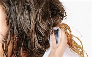 خوابیدن با موهای مرطوب چه عواقبی دارد؟