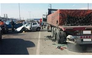 5 مصدوم نتیجه تصادف کامیون با خودروی سواری